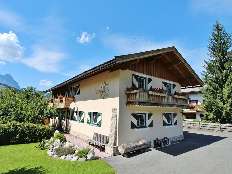 Traditional Apartment in Kirchdorf with Swimming Pool – semesterbostad i St. Ulrich am Pillersee