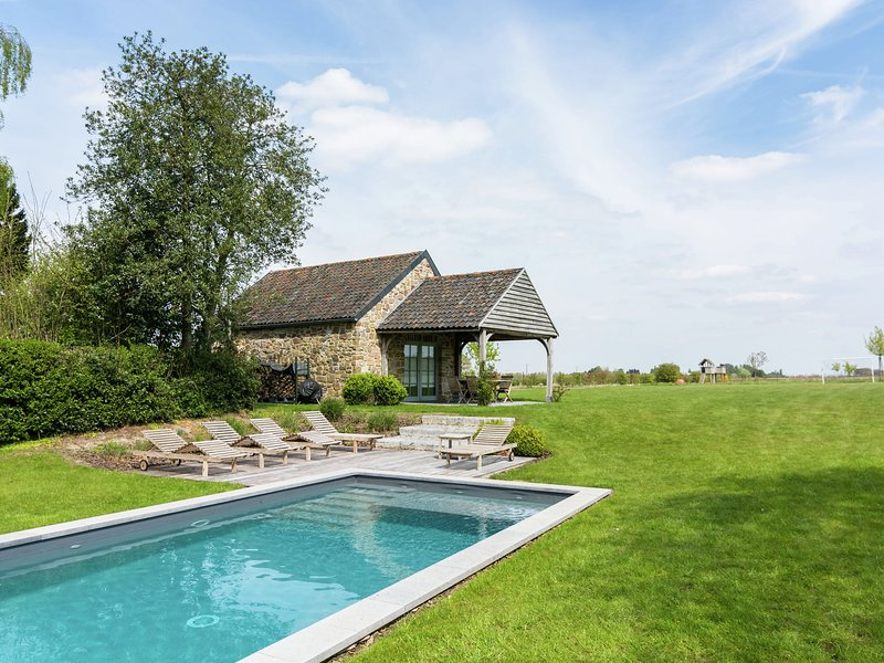 Beautiful Cottage with Private Pool in Ardennes, location de vacances à Hamois