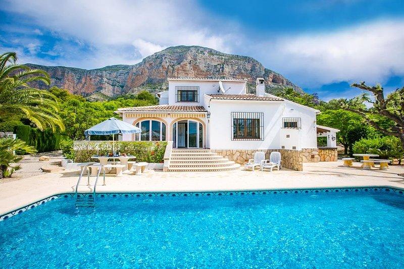 Elvi 8 Updated 2020 4 Bedroom House Rental In Javea With Central