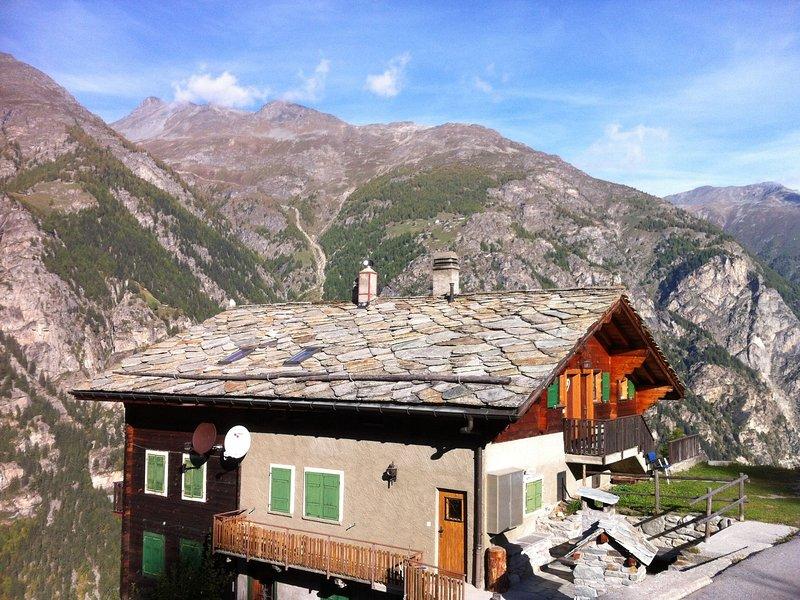 Fantastic, peacefully located apartment 1300 metres above St. Niklaus, location de vacances à St. Niklaus