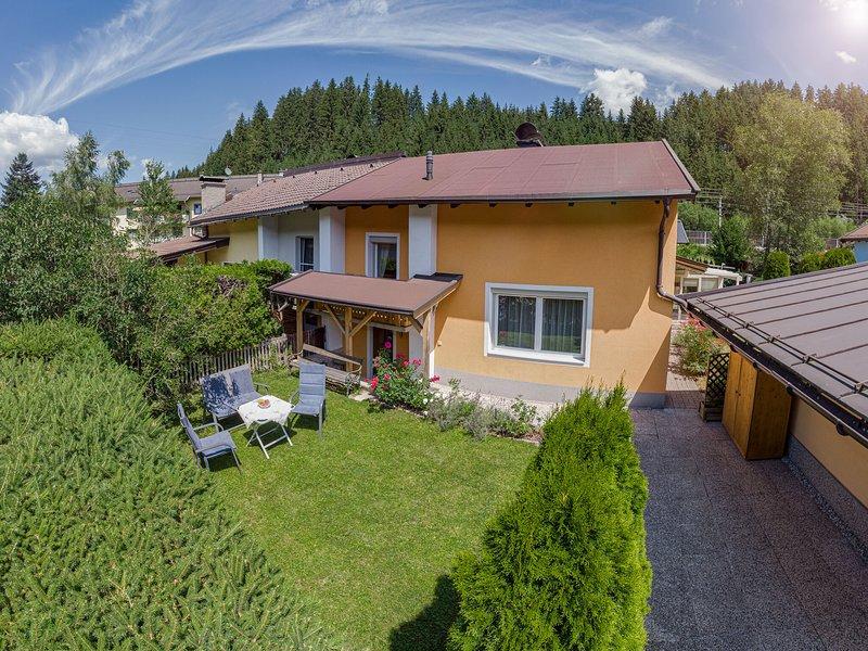 Cozy Holiday Home in Kitzbuhel near Ski Area, vacation rental in Kitzbuhel