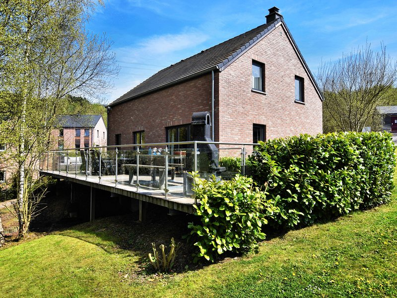 Charming Holiday Home in Durbuy with Sauna, casa vacanza a Barvaux