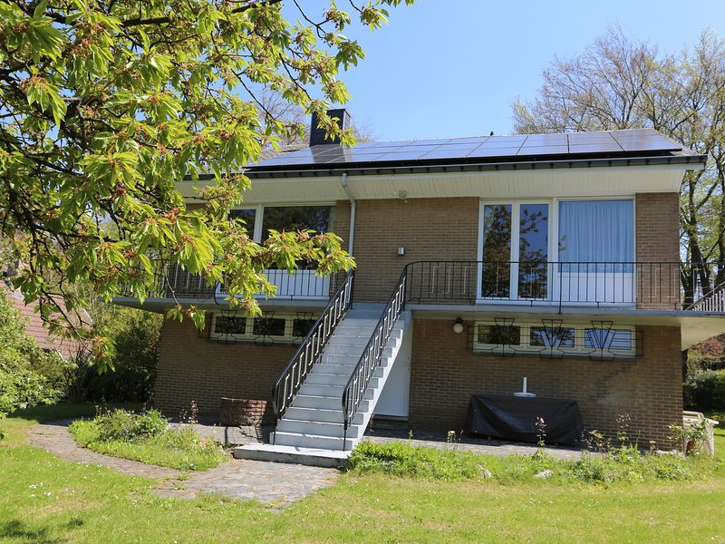 A villa perfectly situated in Spa, between the town centre and the forest., holiday rental in Spa