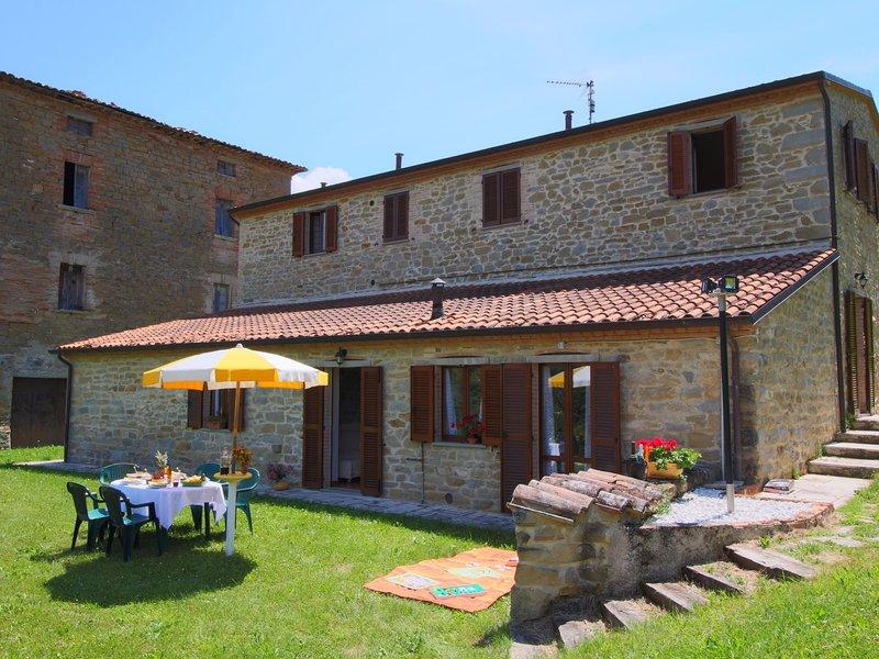 Warm Mansion in  Apecchio with Pool, location de vacances à Sant'Angelo in Vado