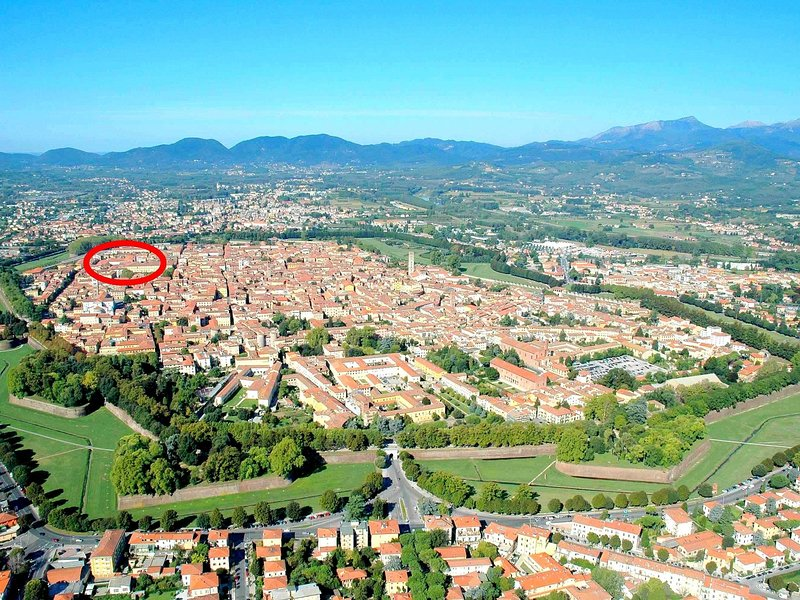 Quaint Mansion in Lucca Town Centre, holiday rental in San Pietro in Campo