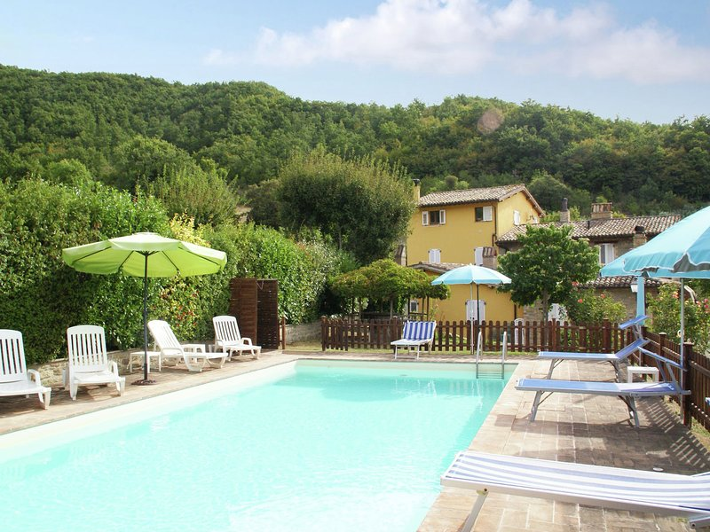 Scenic Holiday Home in Assisi with Swimming Pool, holiday rental in San Presto