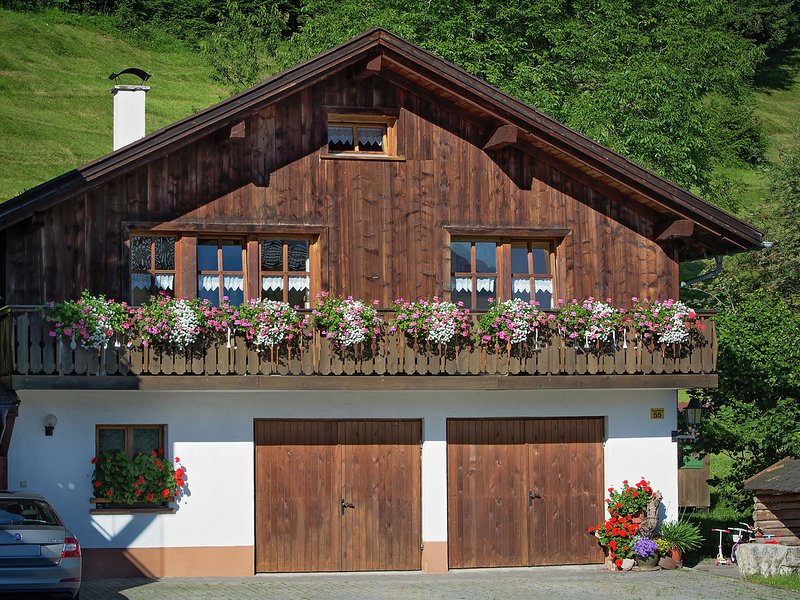 Welcoming Holiday Home in Ski Area in Bürserberg, holiday rental in Raggal