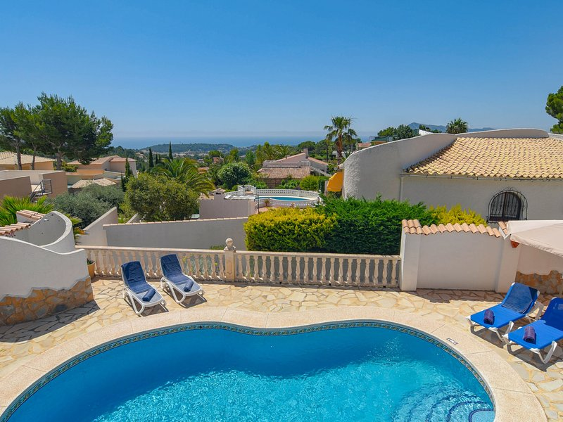 Luxurious Villa in Altea with Barbecue, holiday rental in Tarbena