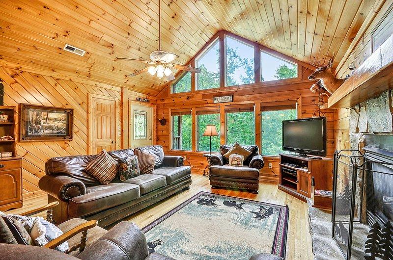 Indoors,Living Room,Room,Building,Furniture