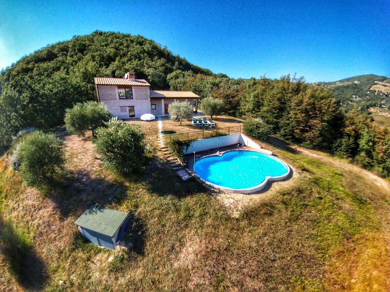 Attractive Holiday Home in Assisi with Swimming Pool, holiday rental in San Presto