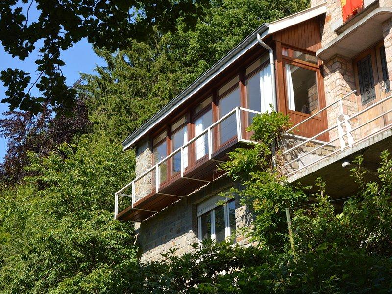 A small studio of a nature stone house, casa vacanza a Nonceveux
