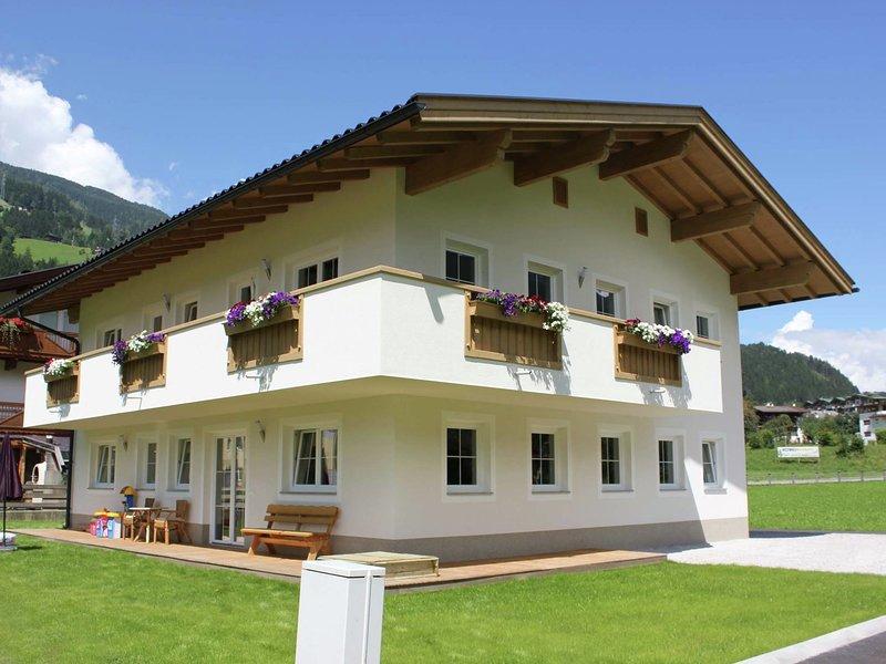 Modern Apartment near Ski Area in Tyrol, holiday rental in Mitterdorf