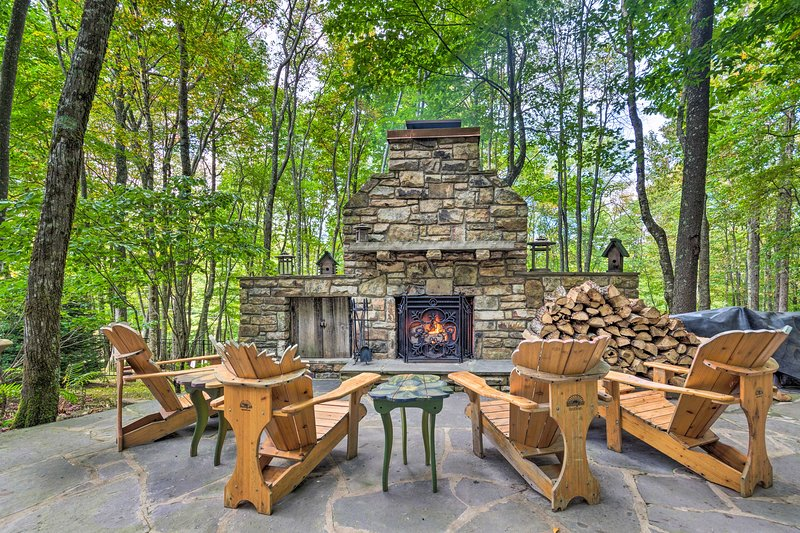 Map out your Beech Mountain trip to this high-end North Carolina mountain cabin!
