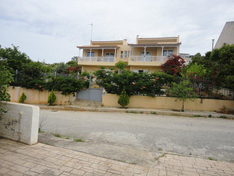 Nice house with garden & balcony, holiday rental in Palaia Fokaia