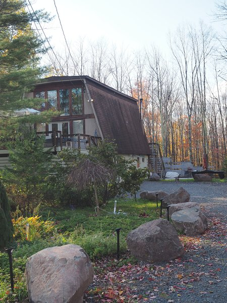 Modern Ski Chalet at the base of Hunter Mountain, holiday rental in Hunter