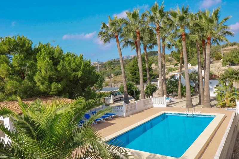 Finca Alhambra - spacious and characterful property in Benissa, location de vacances à Benissa