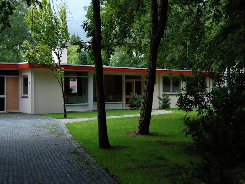 Cozy decorated house with fireplace, surrounded by forest, casa vacanza a Wanneperveen