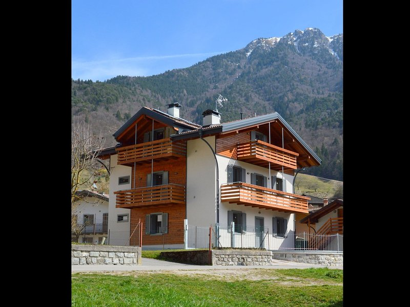 Holiday home in Enguiso with Skiing Nearby, location de vacances à Pur