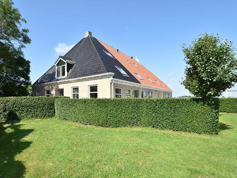 Recreational farm located in a beautiful area of Friesland, vacation rental in Makkum