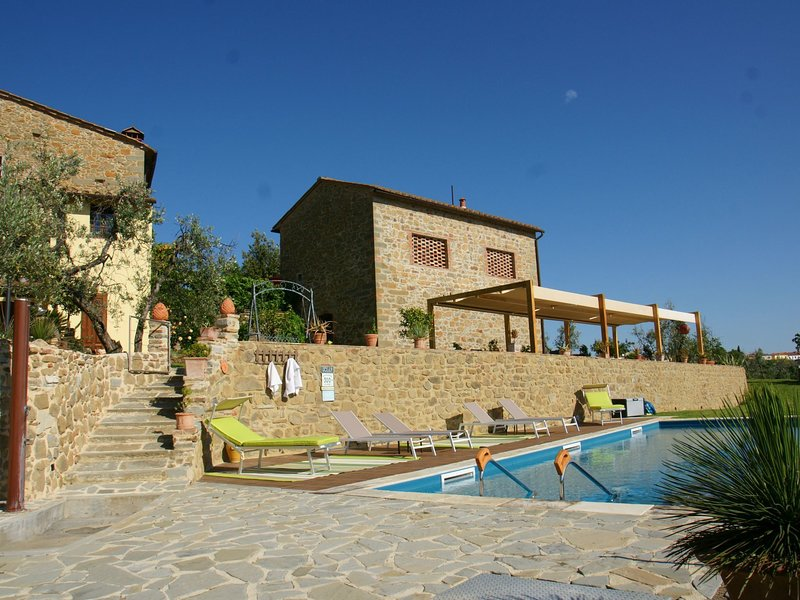 Beautiful Holiday Home in Vinci with Swimming Pool, vacation rental in Mezzana