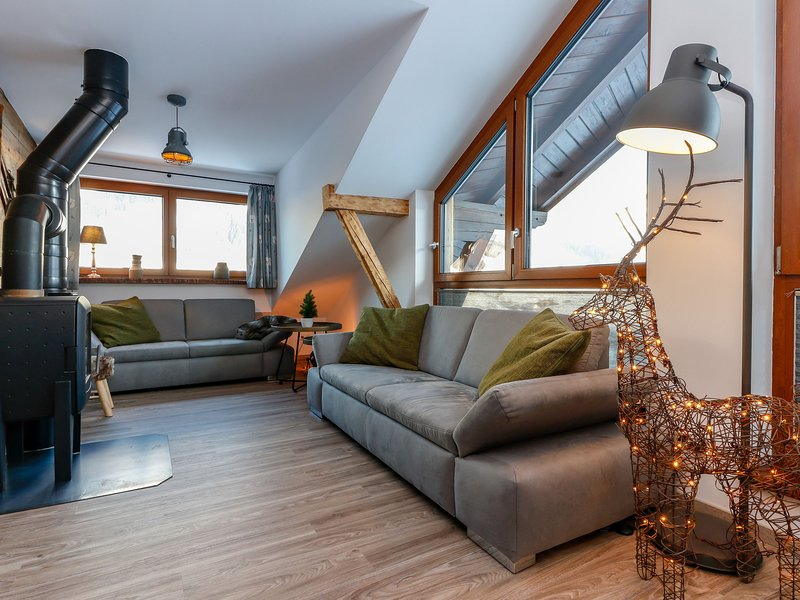 Modern Holiday Home in Rauris with Barbecue, holiday rental in Frostlberg
