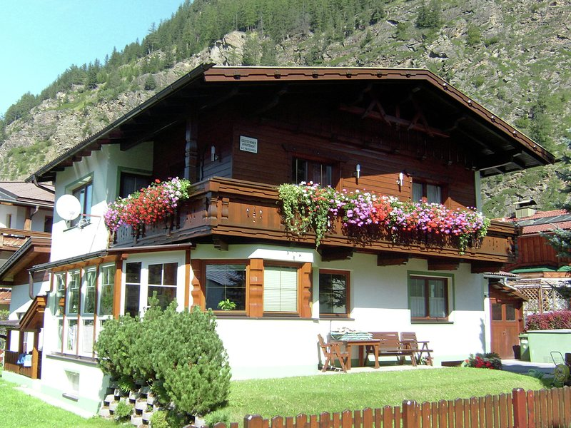 Modern Apartment in Langenfeld Tyrol near Ski Area, holiday rental in Oberlangenfeld