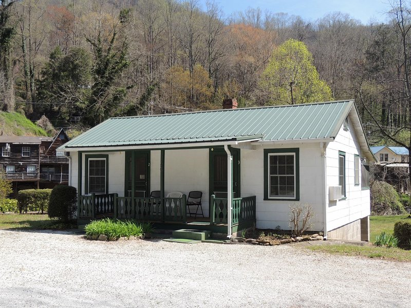 The Dogwood, vacation rental in Bat Cave