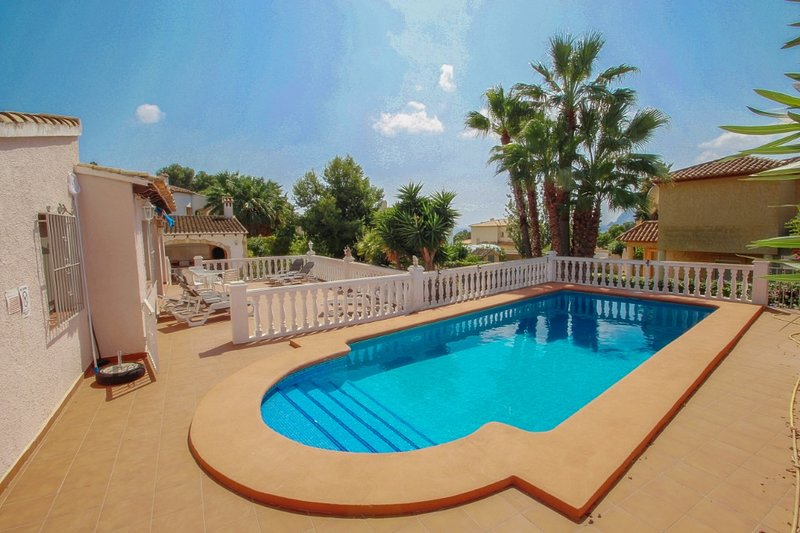 El Molino - well-furnished holiday villa in Benissa, vacation rental in La Llobella