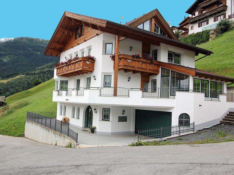 Charming Apartment in Landeck With Balcony, location de vacances à Landeck