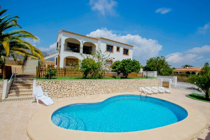 Juanjo - this lovely detached holiday property in Calpe, holiday rental in Calpe