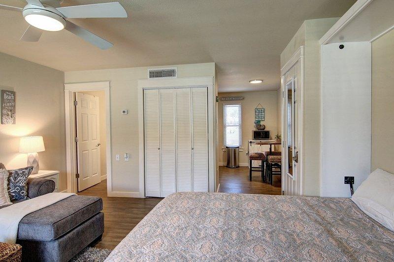 Ceiling Fan,Furniture,Home Decor,Door,Bed
