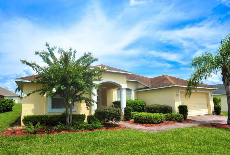 Grass,Building,House,Lawn,Outdoors