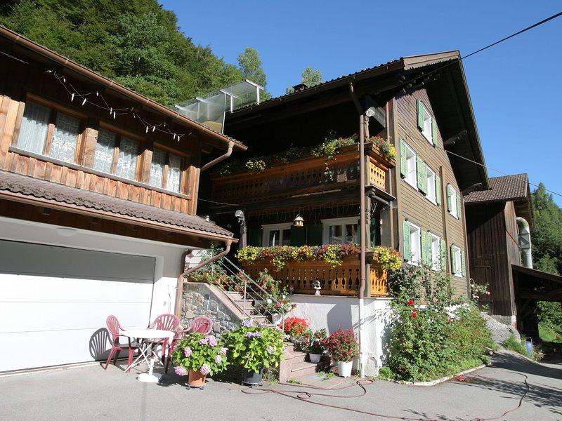 Cozy Apartment near Ski Area in Tschagguns, alquiler de vacaciones en Schruns