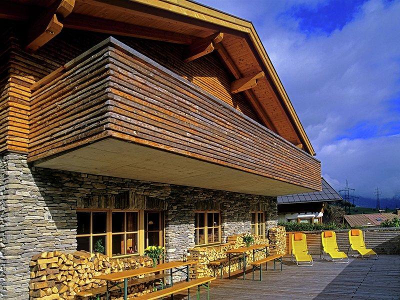Cozy Mansion in Sankt Anton am Arlberg with Sauna, vacation rental in Lech