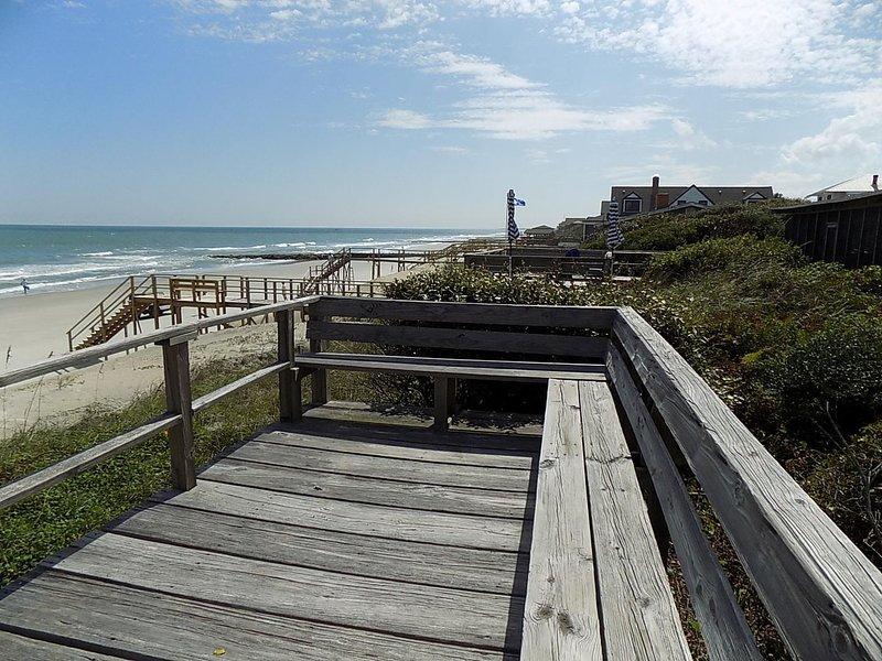 Building,Bridge,Boardwalk,Railing,Handrail