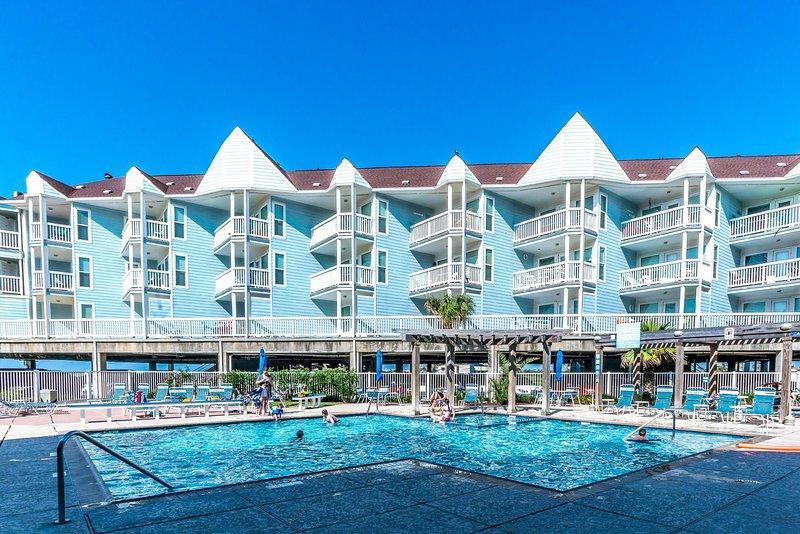Beach Side Retreat, holiday rental in Tiki Island