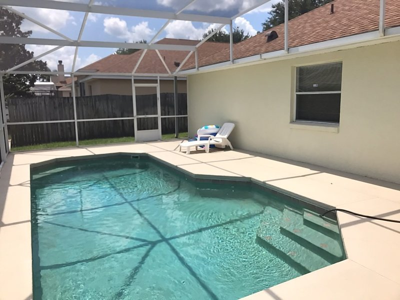 Pool,Water,Building,Swimming Pool,Jacuzzi