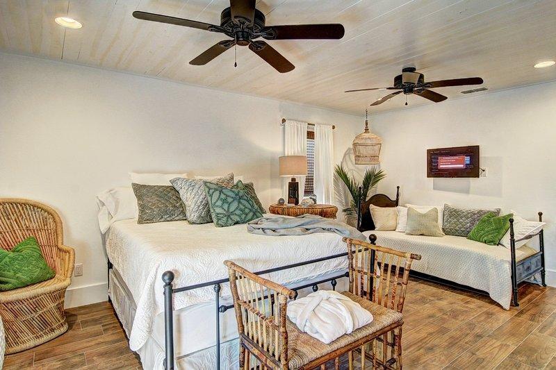 Ventilatore a soffitto, letto, mobili, legno duro, interni