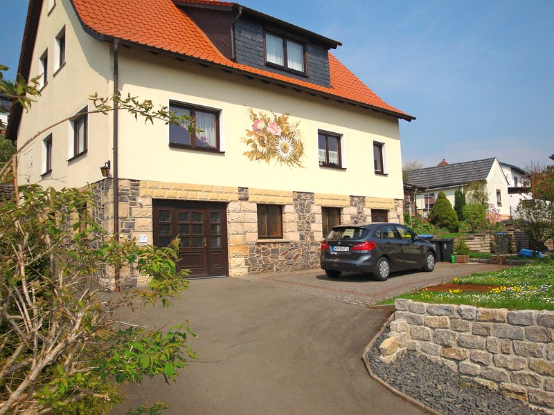 Lovely holiday home in the Thuringian Forest with roof terrace and great view, casa vacanza a Eisenach