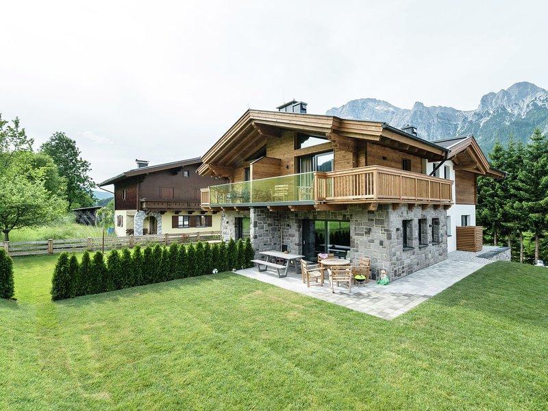 Luxury Chalet in Leogang near Ski Area, casa vacanza a Saalfelden am Steinernen Meer