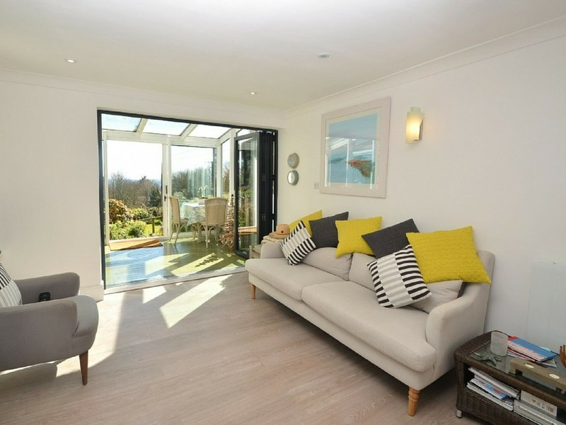 Apartment in historical mansion near the wonderful Blackpool Sands beach, holiday rental in Strete