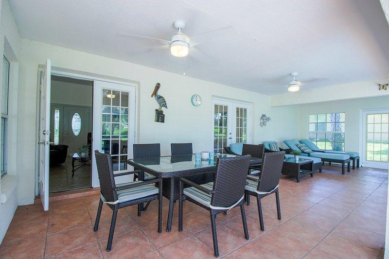 Furniture,Chair,Flooring,Ceiling Fan,Indoors