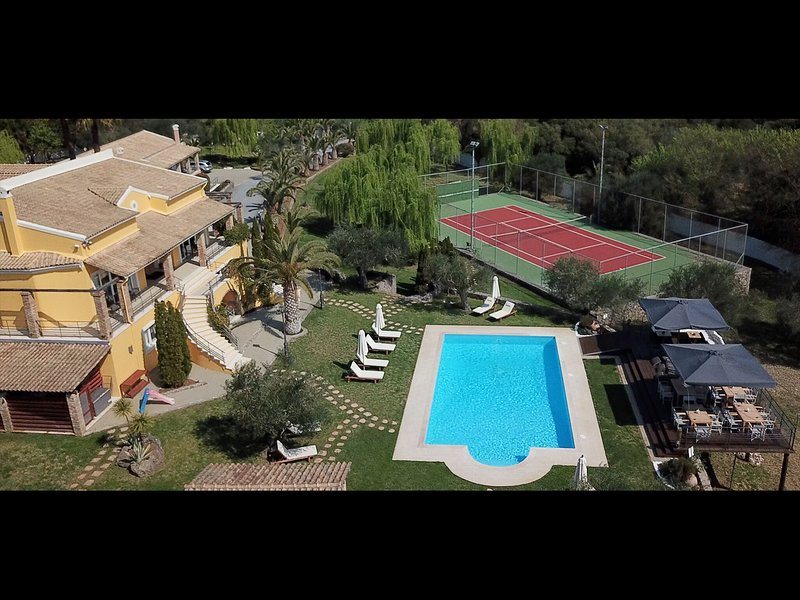 Spacious Villa in Corfu with Private Pool, holiday rental in Temploni
