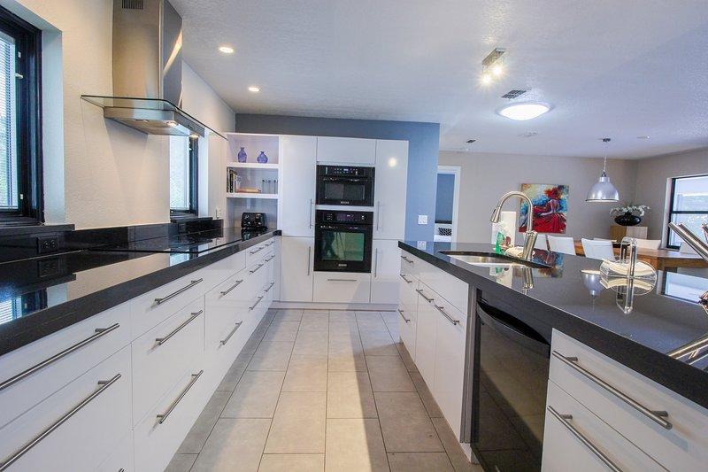 Room,Indoors,Kitchen,Flooring,Oven
