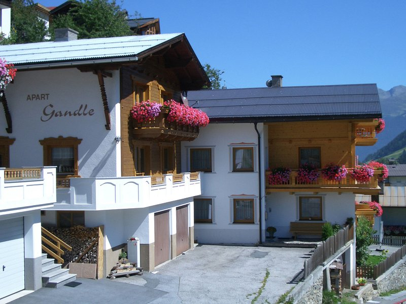 Cosy Holiday Home in Kappl near Town Center, vacation rental in Ischgl