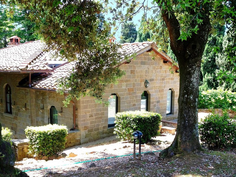 House with ancient features in a quiet, unspoilt nature, vacation rental in Cancelli