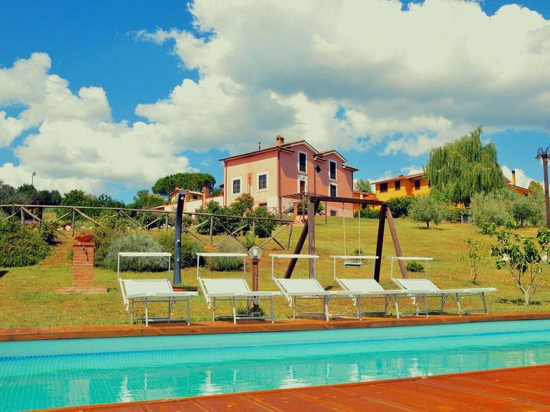 Morden Farmhouse with Pool in San Gemini, vacation rental in Narni Scalo