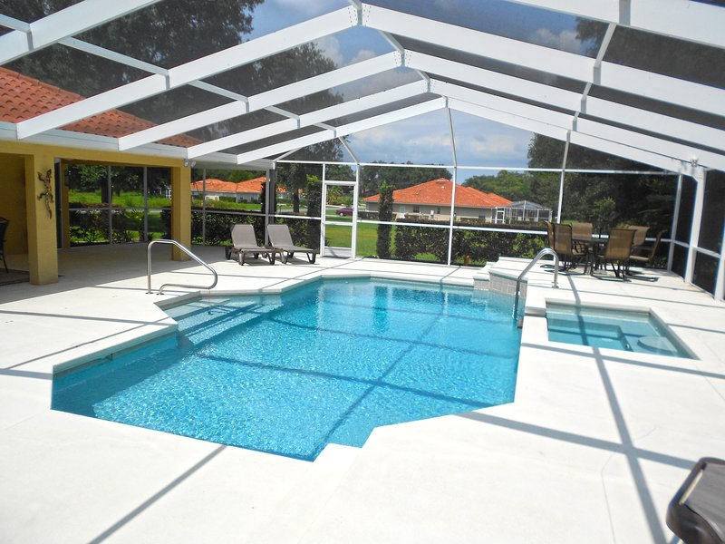 Stylish Pool Villa close to Withlacoochee Bike Trail, alquiler de vacaciones en Hernando