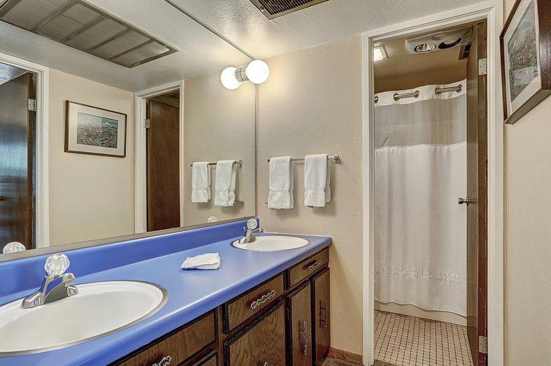 Indoors,Room,Bathroom,Double Sink,Sink