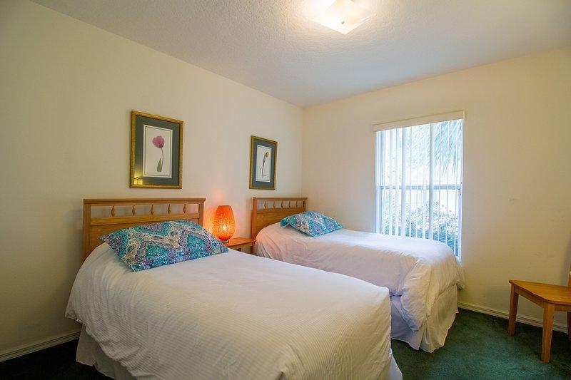 Room,Indoors,Bedroom,Furniture,Bed